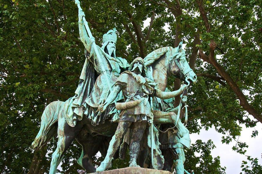Charlemagne Notre Dame